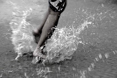 af1201_6165 bw (Adriana Fchter) Tags: life sea brazil people bw praia beach rio brasil kids strand geotagged person persona photography mar photo kid nice sand pessoa gente areia pueblo playa brasilien ser splash fotografia popolo humano plage  spiaggia brasile volk ondas brincadeira brsil peuple povo populus