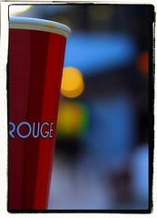 Coffee Rouge (voitaco) Tags: city london coffee bokeh streetphotography canonef28135mmf3556isusm canoneos50d