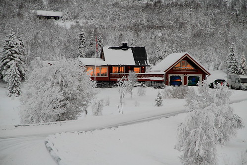 "Vinter. • <a style=""font-size:0.8em;"" href=""http://www.flickr.com/photos/76609500@N03/8454459597/"" target=""_blank"">View on Flickr</a>"