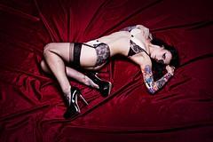 Betty (Y A T) Tags: red stockings studio model tattoos suspenders softbox heals canon650d bettyhavok strobeamdl4