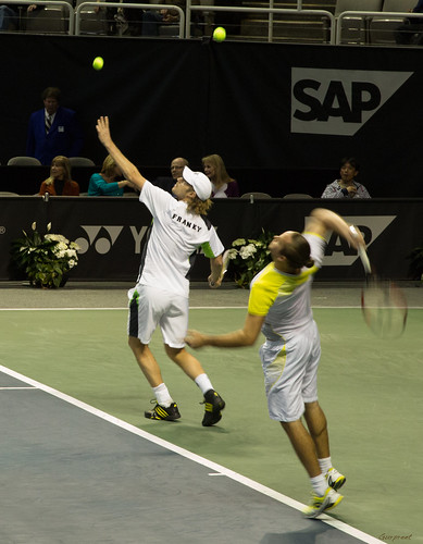Andy Roddick - Malisse and Moser practice serves