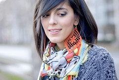 The cartoon scarf (Laura Comolli (Purses&I)) Tags: orange fashion cat outfit cartoon easy cosy cooee gazel macram cruciani salylimon cooeedesign muffinonline kikithesweetycat ibirikini