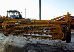 Vermeer R2800 Hay Rake. (dccradio) Tags: wisconsin mall farming equipment machinery ag agriculture wi agricultural farmequipment farmshow marshfield farmmachinery centralwisconsin shoppesatwoodridge marshfieldmall wisconsinfarming machineryshow agshowagricultureshow