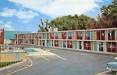 Town House Motel Palatka_FL (Edge and corner wear) Tags: color art modern composition vintage inn contemporary postcard modernism motel lodge chrome motor block mondrian aaa midcentury differentiated