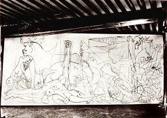 Guernica Stage One (photosurrealiste) Tags: newyork dessin abstrait doramaar