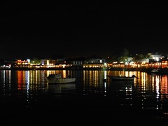 "Dahab de noche • <a style=""font-size:0.8em;"" href=""http://www.flickr.com/photos/92957341@N07/8590592589/"" target=""_blank"">View on Flickr</a>"