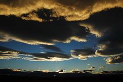 caracoles (Edison Zanatto) Tags: sunset sky naturaleza sun sol southamerica nature argentina skyline backlight clouds sunrise contraluz landscape atardecer soleil nuvole natureza natur wolken paisaje paisagem cu prdosol cielo nubes  nuvem crpuscule landschaft sonne paesaggi ocaso sonneuntergang alvorada contrejour stratus controluce patagnia anochecer anoitecer coucherdesoleil ruta40 crepsculo nascente contrallum puestadelsol americadosul cirros poente puestas fimdetarde luscofusco bajocaracoles sdamerika nikond200 dilculo patagniaargentina postadelsol firsttheearth crepsculovespertino postadosol continentesulamericano expediopatagnia2012 edisonzanatto