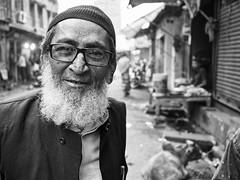 Kolkata - Man (sharko333) Tags: travel voyage reise street india indien westbengalen kalkutta kolkata  asia asie asien people portrait man beard muslim olympus bw em1