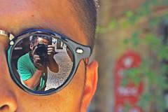 Gafa (Campanero Rumbero) Tags: berlin germany alemania day dia travel turismo trip gafas lente reflejo reflection cara rostro