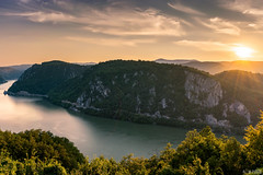 Djerdap at sunset (N | M Photo.) Tags: nikon d3300 djerdap national partk serbia srbija dunav danube sunset river