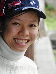 Girl in Hu (Jom Manilat) Tags: girl hu vietnam viet nam smile cute