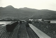 Kyle of Lochalsh Station (hugh llewelyn) Tags: station kyle lochalsh alltypesoftransport