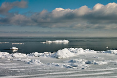 K7_13614 (Bob West) Tags: winter ontario ice beach clouds greatlakes 4c k7 southwestontario bobwest pentax1650f28