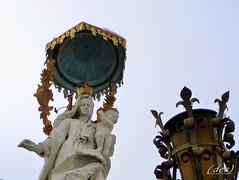 Madonna con bambino (erman_53fotoclik) Tags: madonna statua baldacchino lampione fanale rifugio chioggia scultura destro bambino ermanno panasonik tz25 peccatorum erman53fotoclik