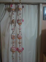 Móbile de cortina da Julia (tatiane_zoo) Tags: bebê feltro patchwork corujas tecido
