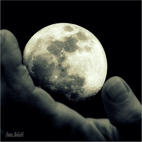 Tocando la Luna #FLICKR12DAYS