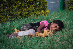IMG_8622.jpg (#Hani#) Tags: boy vacation people india arm poor kinder menschen hunger hyderabad cocuk indien 2012 mutlu gzel kiz insanlar peolple pamuk hbsch erkek seker mutluluk suprize hindis fakirlik saskinlik