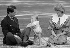 BE023383 (princessdiana1971) Tags: family people baby english walking children parents infant sitting princess father group mother son prince males prominentpersons british whites royalty offspring europeans governmenthouse westerneuropeans dianaprincessofwales charlesprinceofwales williamprinceofengland