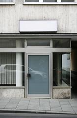Glasfront, Bad Homburg 2016 (Spiegelneuronen) Tags: badhomburg geschft bro glas eingang