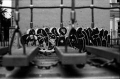 (sele3en) Tags: film fomopan400 fomopan analog d76 homedevelopment development darkroom ilfotecddx rapidfixer street throwup graffitiphotography graffiti saintpetersburg russiangraffiti urbanart streettag streetbombing documentary urbanlife rozegraffiti selone tag