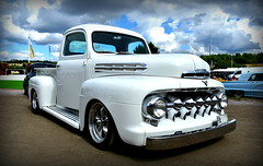 Ford F1 1951. (Papa Razzi1) Tags: 7624 2016 219365 ford f1 1951 pickup truck converted white solvalla summer august wheelsnationals2016