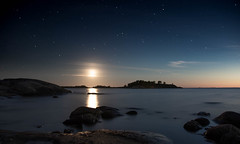 Moonset in Porkkala (tmy81) Tags: longexposure fi porkkala sea finland