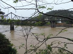 Chuva fez o rio subir e chegar a 6,10m à meia noite de domingo para segunda em Blumenau. A chuva terminou e volta o sol com muito frio.