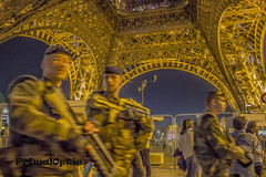Paris En Devoir / Paris On Alert (PrimalOptic) Tags: photojournalism primaloptic maxwell france paris soldiers soldts alert devoir patrol night eiffel tower tour gustave 2016 beautiful guard scurit parisien guns fusils