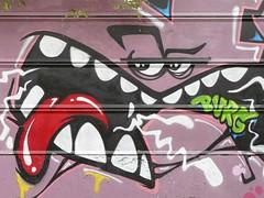 Street Art - Paris, XIIIme (Impossible de trouver un pseudo, tous sont pris!) Tags: fresque paris couleurs colors paintings painting drawings drawing peintures peinture dessin dessins graffiti streetart street art cartoon bd anim monster monstre