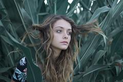 Portrait of Valeria (Alessandra Scalogna) Tags: girl green girls garden verde vintage estate reflex dettaglio retr relax dettagli