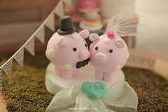 pig and piggy Wedding Cake Topper (charles fukuyama) Tags: wedding weddingcaketopper handmadecaketopper custom initials claydoll sculpted ceremony giftideas animalscaketopper piglet cakedecoration kikuike