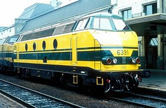 6391  Namur  09.07.80 (w. + h. brutzer) Tags: namur 63 eisenbahn eisenbahnen train trains railway diesellok dieselloks belgien lokomotive locomotive zug sncb webru analog nikon