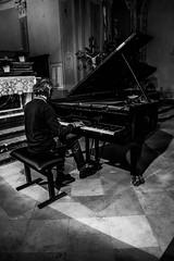 Robert Lehrbaumer, rehearsal, PianoEchos 2016 (Davide Tarozzi) Tags: robertlehrbaumer rehearsal pianoechos2016 pianoechos prove ombre pianist shadows piano pianista