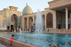 Shah Cheragh (naroaruiz) Tags: kid girl iran travel mausoleum imam travelphoto cupula dome mosque mezquita persia persian