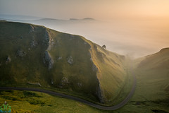 Winnats Pass Sunrise (James G Photography) Tags: uploadedviaflickrqcom winnatspass winnats pass sunrise fog mist peakdistrict peaks derbyshire sun castleton autumn haze hot knoll limestone peak reef road view england unitedkingdom gb