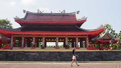 Look at that Girl (HansPermana) Tags: semarang indonesia jateng jawatengah temple sampookong chinese pray red architecture historic old building holy culture