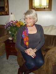 Laurette Victoria (Laurette Victoria) Tags: wisconsin pose blouse milwaukee leggings laurette laurettevictoria