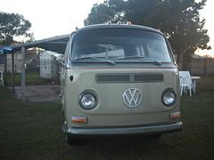 VW (Fernando Lenis) Tags: old school cars photo pics craigslist