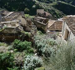 Pentedattilo (grupoaranea) Tags: italia reggiocalabria abandonado salinejoniche