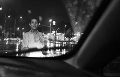 Child (Dual Productora Audiovisual) Tags: street red bw film car rain canon ball studio photography photo colombia child time semaforo ligth dual nio medellin parada fotografa dualtime