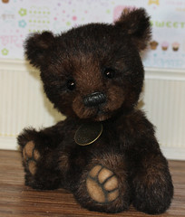 Wolsey (thepeachpeddler) Tags: bear black wool alpaca glass nose cub eyes artist with shot ooak steel bears peach merino cotton mohair copper pearl handsewn collectible paws peddler bbs embroidered coated perle blend sealed the imported beeswax schulte weighted handshaded