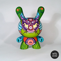 "8"" MojiTiger (WuzOne) Tags: show toy diy handmade vinyl kidrobot handpainted custom acrylics dunny munny artoy wuzone 0034gallery"