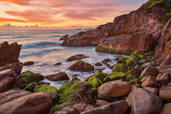 Mossy Rocks Of Zenith Beach || PORT STEPHENS || AUSTRALIA (rhyspope) Tags: australia aussie nsw new south wales port stephens zenith beach shoal bay coast coastal sunrise rhys pope rhyspope canon 5d mkii waves sea ocean