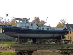 Eisbär (Parchimer) Tags: schubboot pushboat towboat pousseur pchacz duwboot spintore empurradorfluvial binnenschiff tolómotorhajó pushertug eisbrecher icebreaker lodolamacz briseglace isbrytare elbehavelkanal