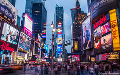 Times Square (Frode.Sleveland) Tags: usa newyork timessquare manhattan night city people
