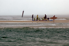 group lesson (Curufinwe - David B.) Tags: beach sea mer mimizan landes aquitaine france sony a77 a77v sonyalpha77 sonydslta77v 400mm sigma plage waves wave surf surfing wetsuit girl girls woman feminine surfer surfgirl surfergirl surfcamp