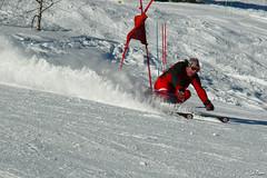 ... suivi de Dominique ... (La Pom ) Tags: ski les de coeur du neige mont blanc stade ecole francais esf rhodos portes combloux comptition flche ouvreur crve