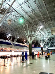 Recife airport (luceknight) Tags: trip travel light brazil people travelling lamp brasil night bag lights airport nightshot sony aeroporto case structure viagem trips lamps bags recife prdio departure mala boarding malas checkin viajar embarque decolagem builing gilbertofreyre guararapes aeroportointernacionaldorecife recifeairport recifeinternationalairport sonydscwx50