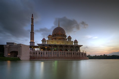 Masjid Putra Putrajaya Malaysia (naza.carraro) Tags: park city travel blue sunset summer vacation sky urban cloud lake reflection building tower history tourism water beautiful architecture modern clouds sunrise river landscape asian religious design construction scenery worship asia exterior place outdoor minaret muslim islam famous faith capital prayer religion pray eid culture floating landmark visit palace mosque tourist structure architectural east holy malaysia dome destination recreation kuala putrajaya ramadan eastern interest tranquil masjid aidilfitri lumpur attraction islamic putra moslem putramosque masjidputra putrajayalake
