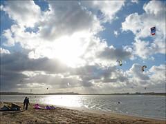 Soleil voil (Marcello_14) Tags: france normandie kitesurf calvados contrejour mervillefranceville baiedesallenelles